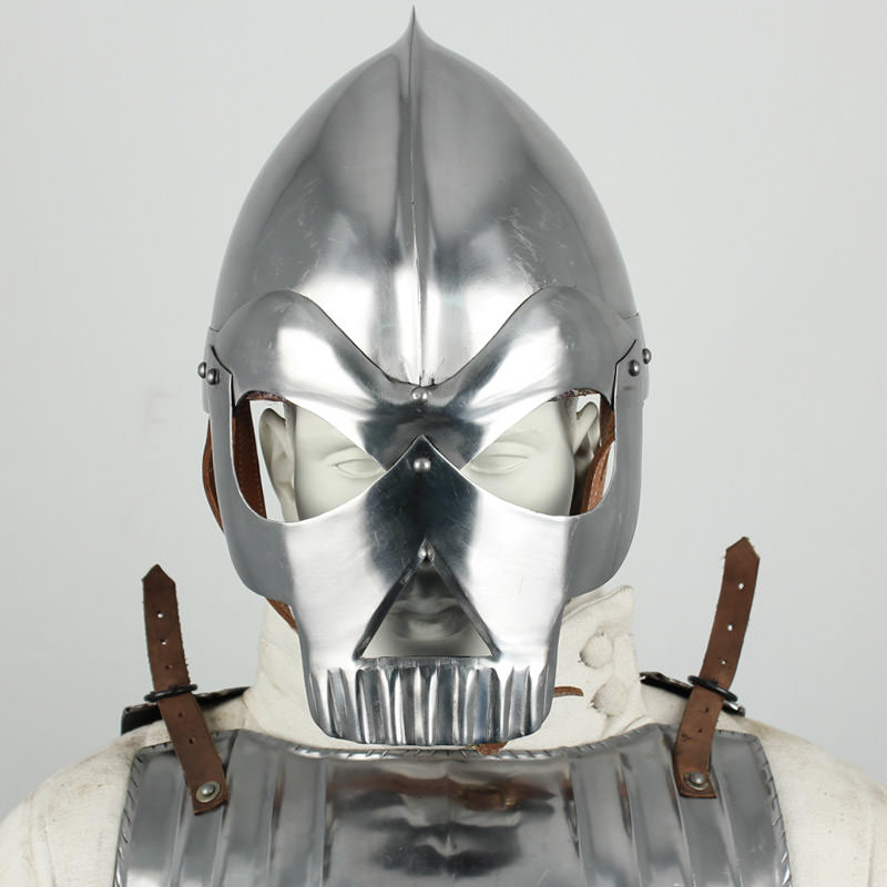 Fantasy Knight Skull Crusher Helmet