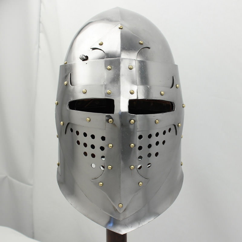 Knight helmet profile