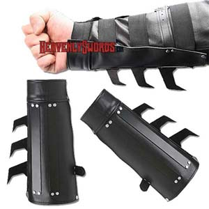 Batman Tactical Strike Bracer
