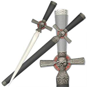 Pirate Skull Cross Dagger Antiqued Grey 16 1/2""
