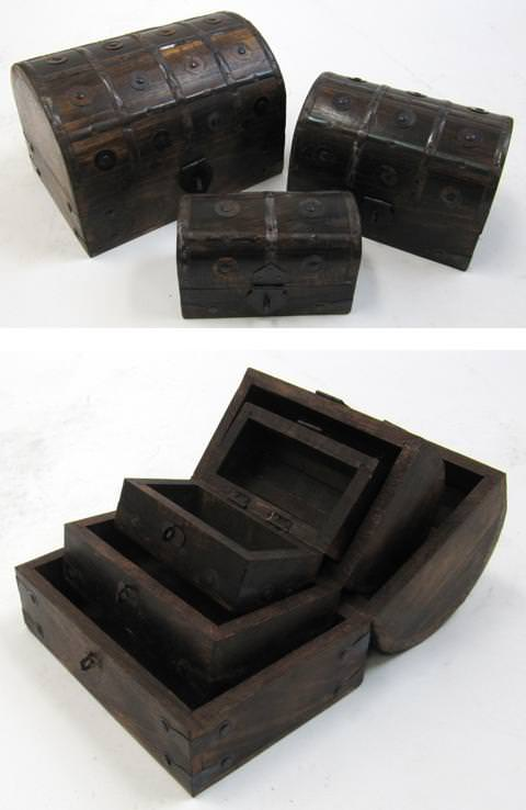 Nested Wooden Pirate Chest Set (16 buttons)